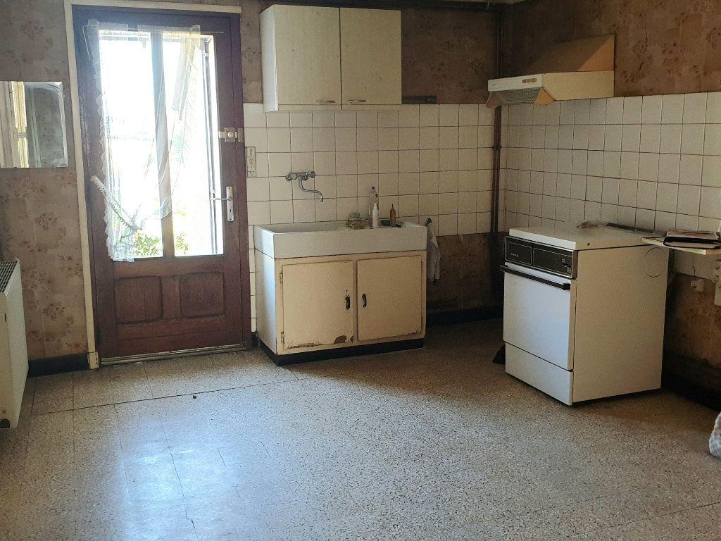 Maison à vendre 4 100m2 à Génelard vignette-4