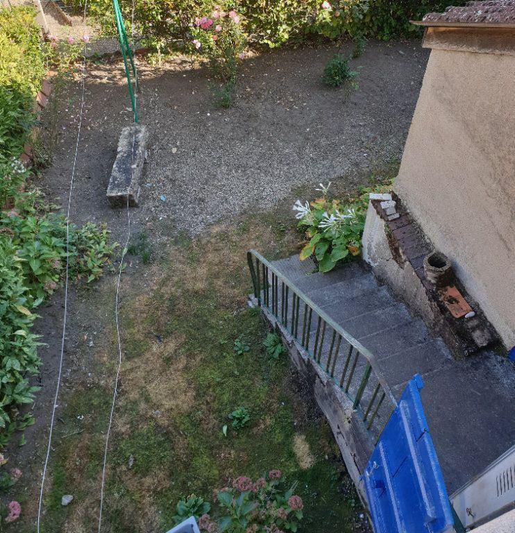 Maison à vendre 4 100m2 à Génelard vignette-6