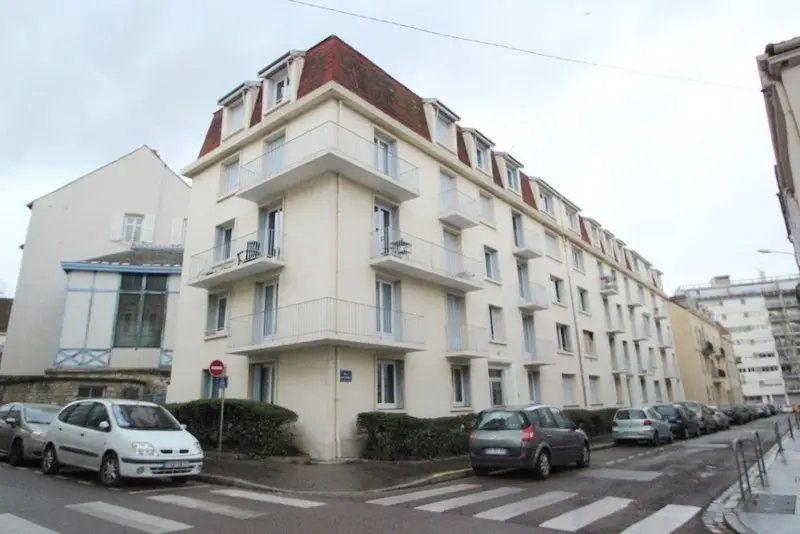 Appartement à vendre 3 68m2 à Chalon-sur-Saône vignette-1