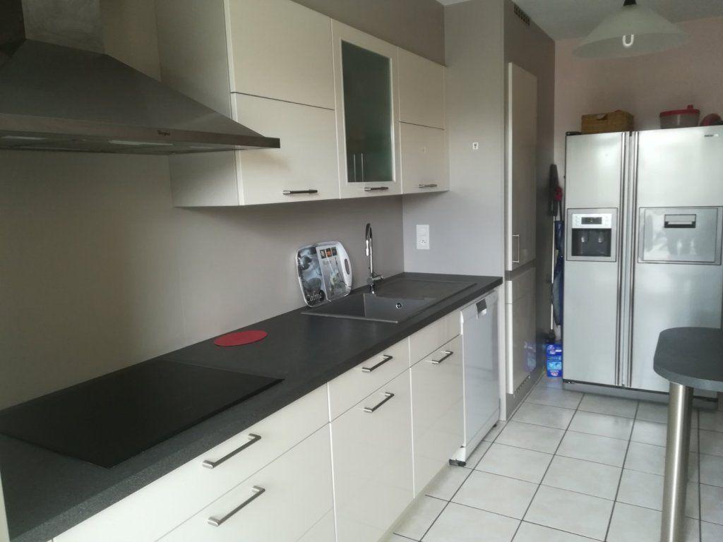Appartement à vendre 5 142m2 à Chalon-sur-Saône vignette-3