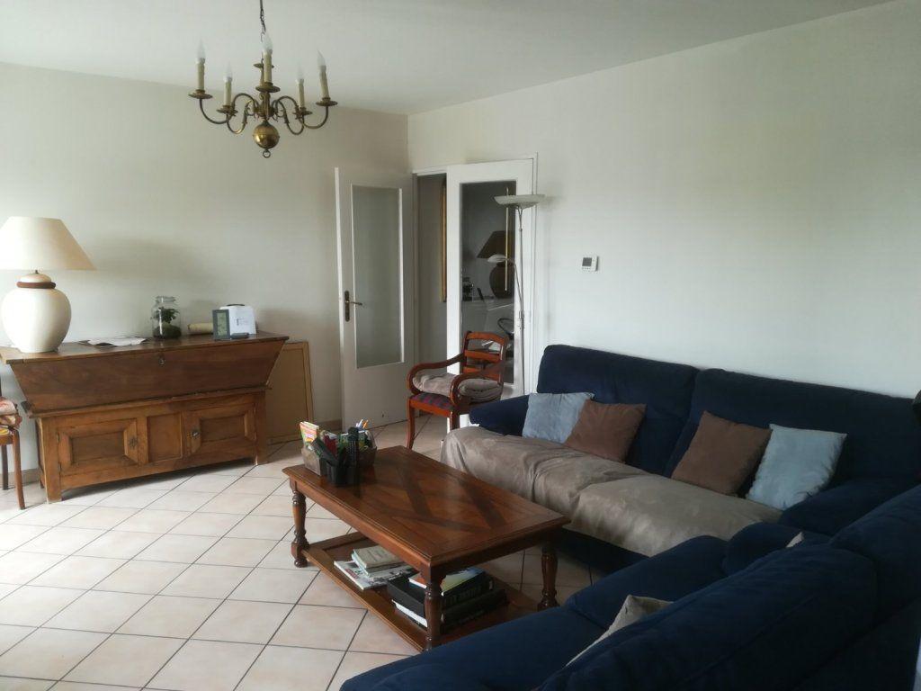 Appartement à vendre 5 142m2 à Chalon-sur-Saône vignette-4