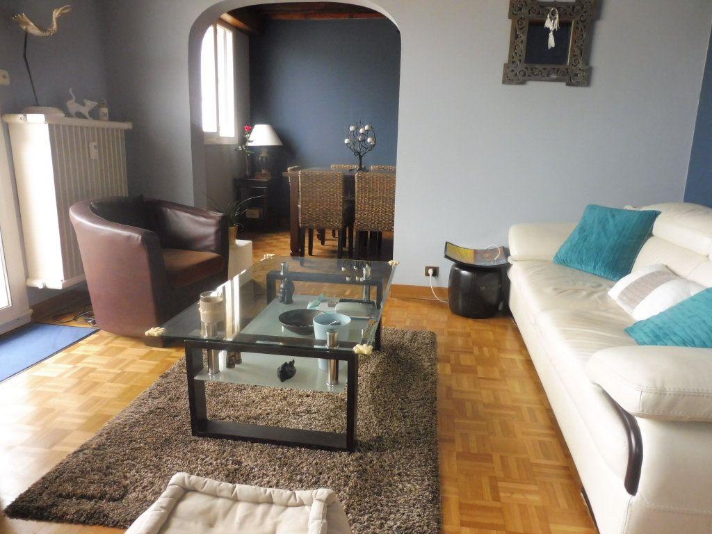 Appartement à vendre 5 75m2 à Chalon-sur-Saône vignette-1