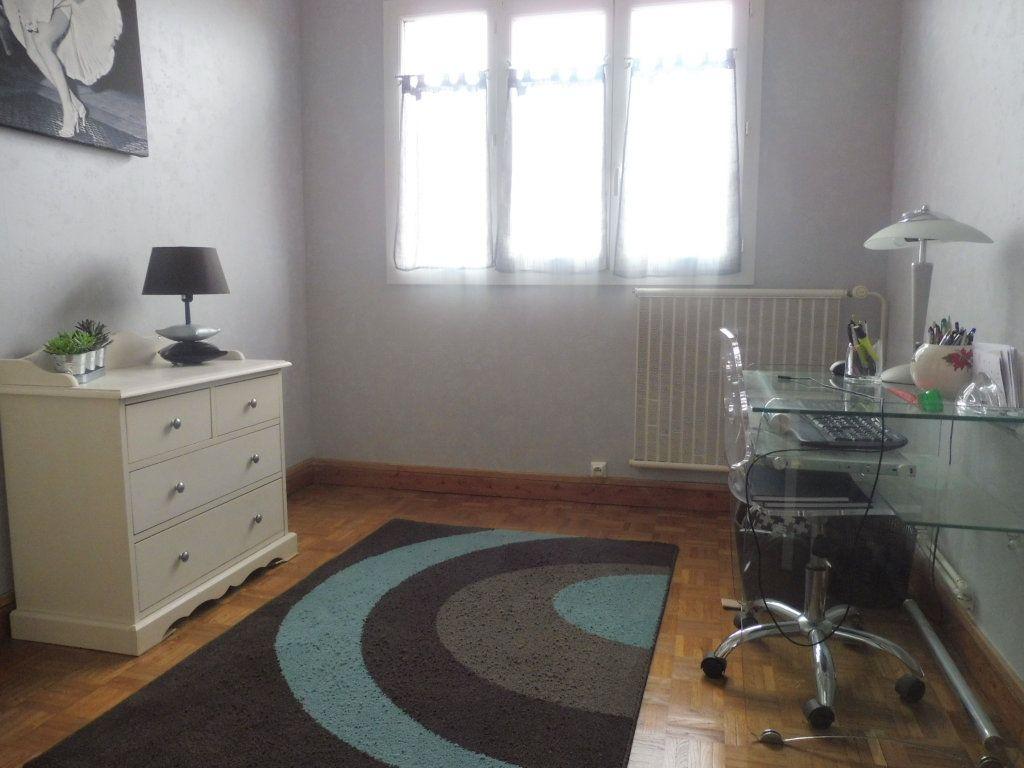 Appartement à vendre 5 75m2 à Chalon-sur-Saône vignette-5