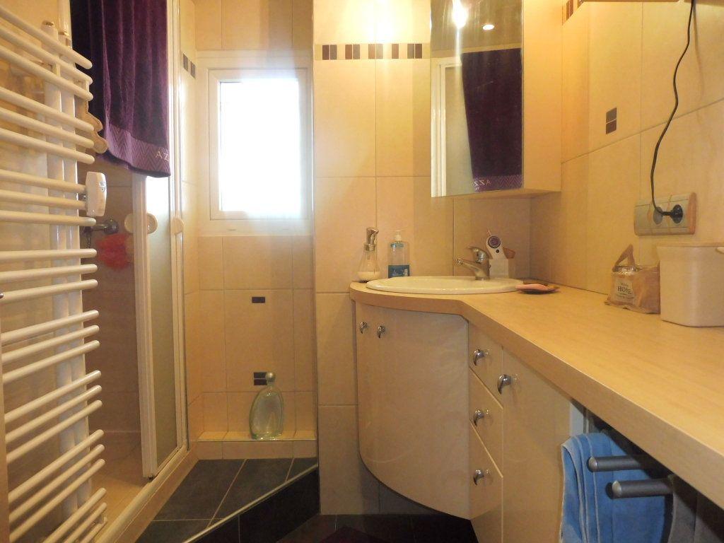 Appartement à vendre 5 75m2 à Chalon-sur-Saône vignette-7