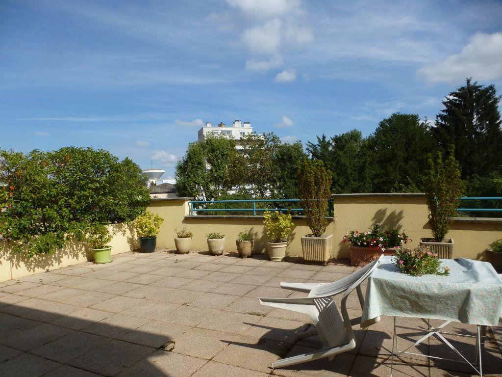 Appartement à vendre 3 62m2 à Chalon-sur-Saône vignette-3