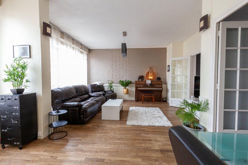 Maison à vendre 13 380m2 à Chalon-sur-Saône vignette-4