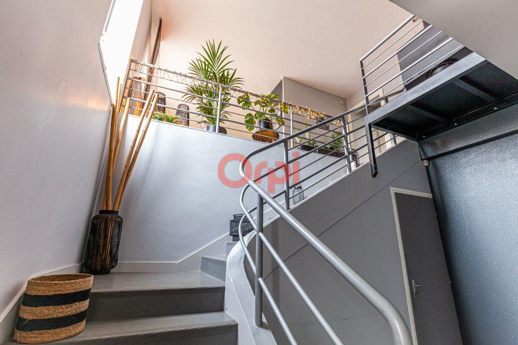 Maison à vendre 13 380m2 à Chalon-sur-Saône vignette-6