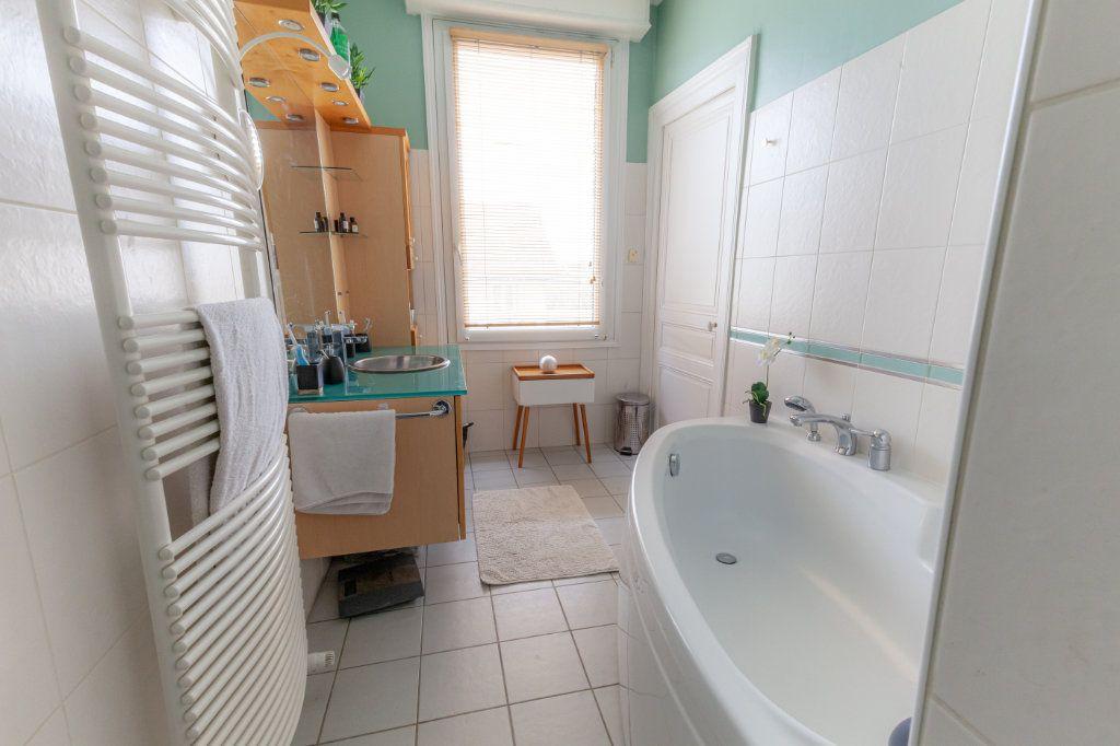 Maison à vendre 13 380m2 à Chalon-sur-Saône vignette-13