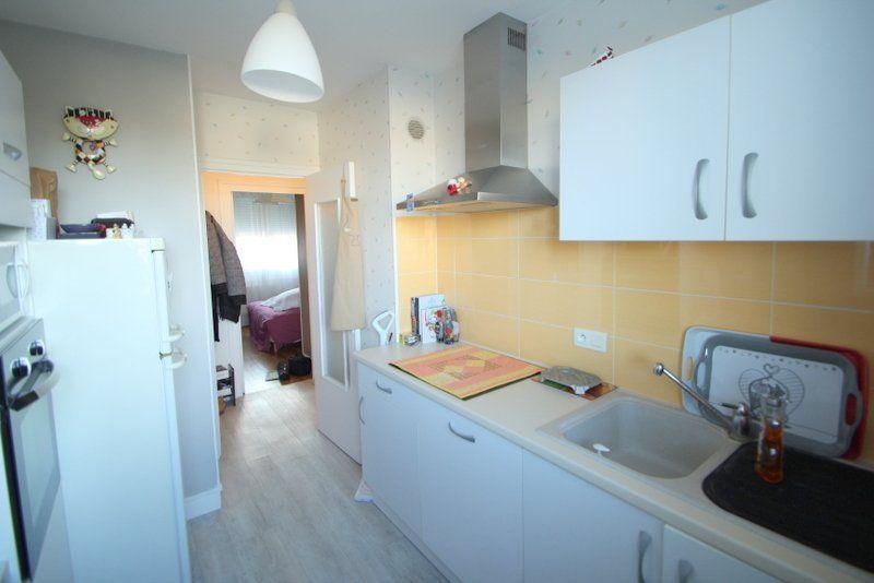 Appartement à vendre 3 50m2 à Chalon-sur-Saône vignette-2