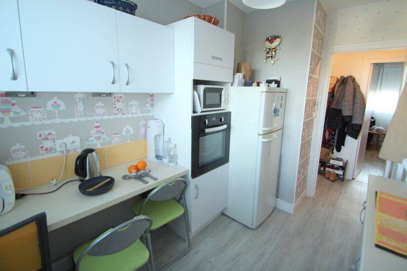 Appartement à vendre 3 50m2 à Chalon-sur-Saône vignette-6