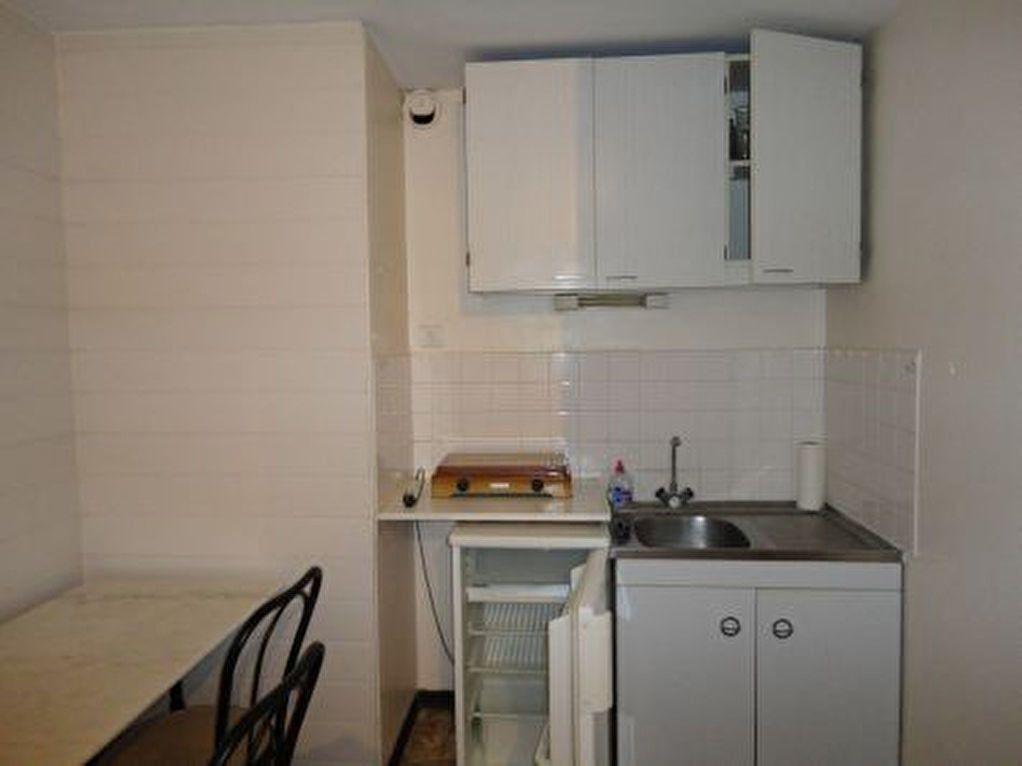 Appartement à louer 1 20m2 à Marcillac-Vallon vignette-4
