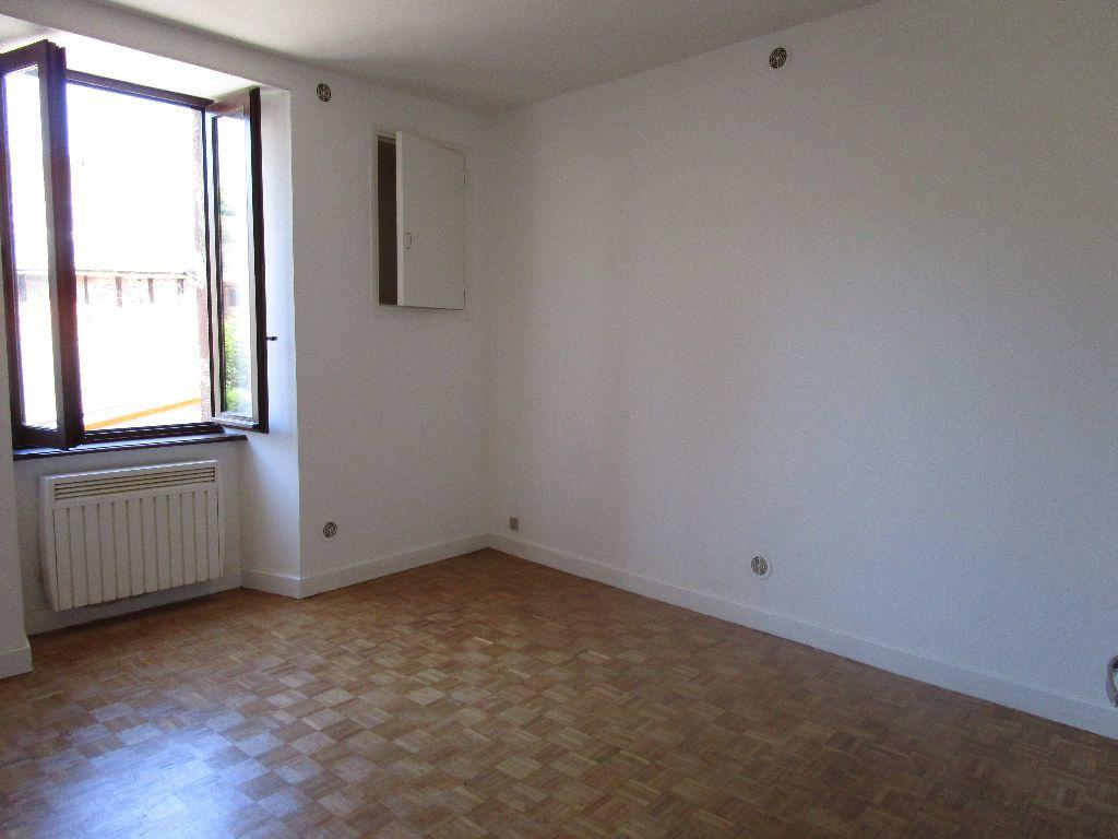 Appartement à louer 3 60m2 à Marcillac-Vallon vignette-5