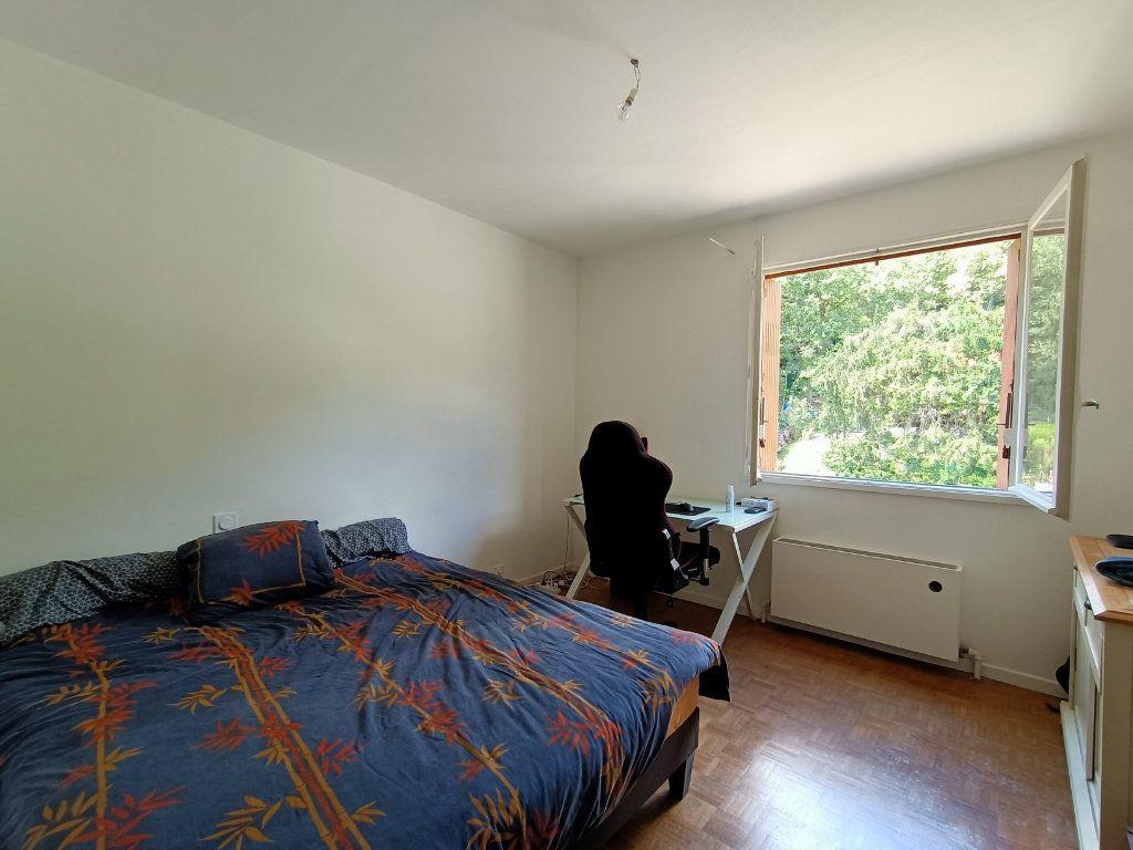 Appartement à louer 3 83m2 à Decazeville vignette-3