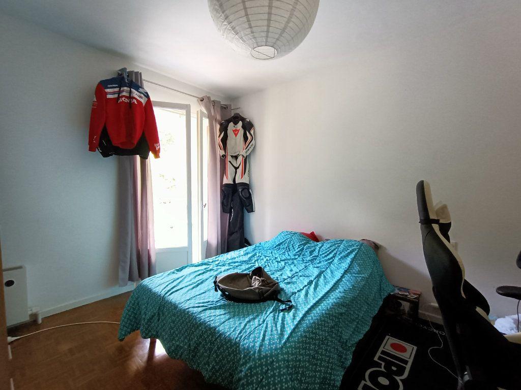 Appartement à louer 3 83m2 à Decazeville vignette-4