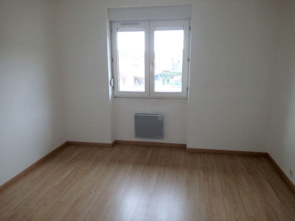 Appartement à louer 3 60m2 à Cransac vignette-3