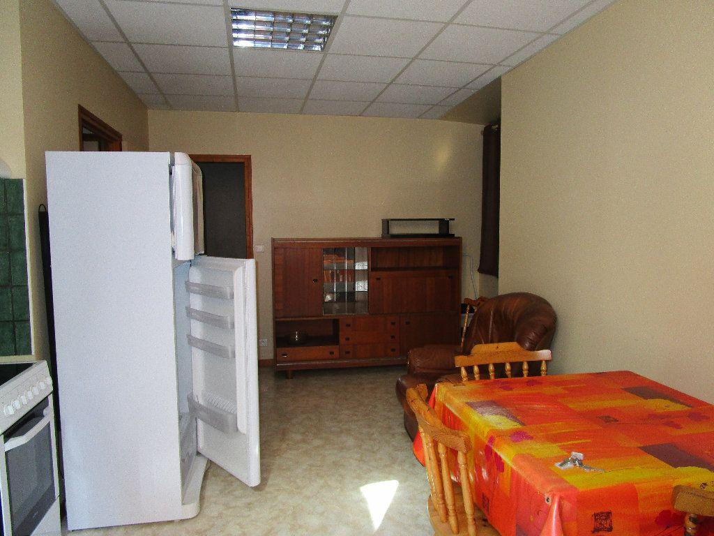 Appartement à louer 2 25m2 à Villecomtal vignette-2