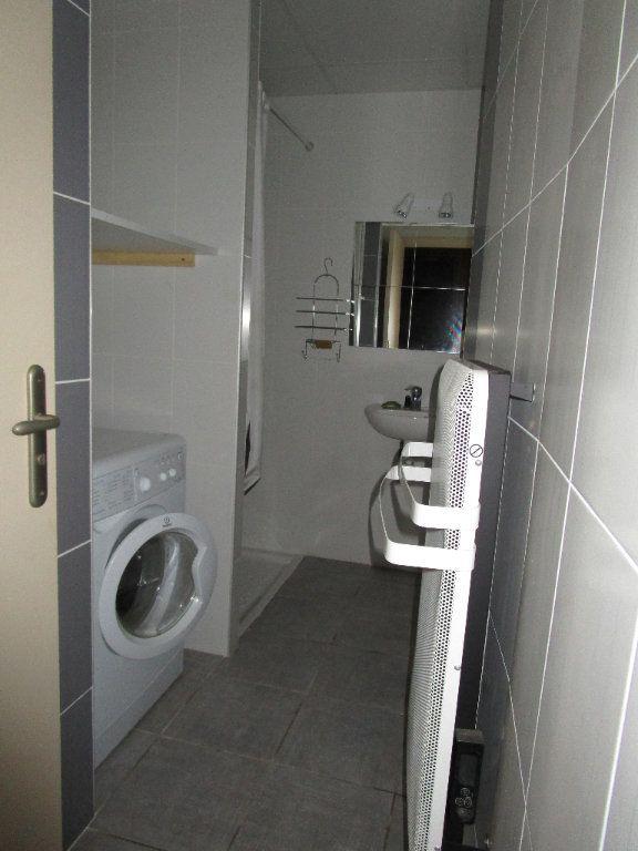 Appartement à louer 2 25m2 à Villecomtal vignette-4