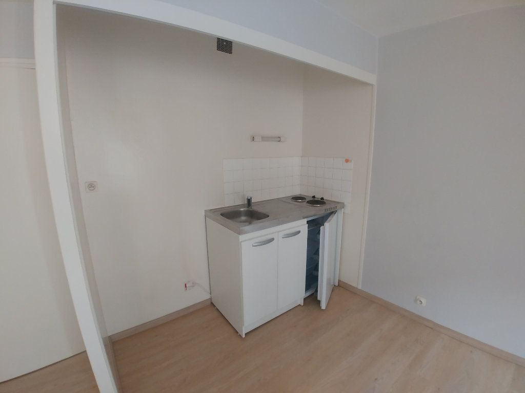 Appartement à louer 2 43m2 à Marcillac-Vallon vignette-3