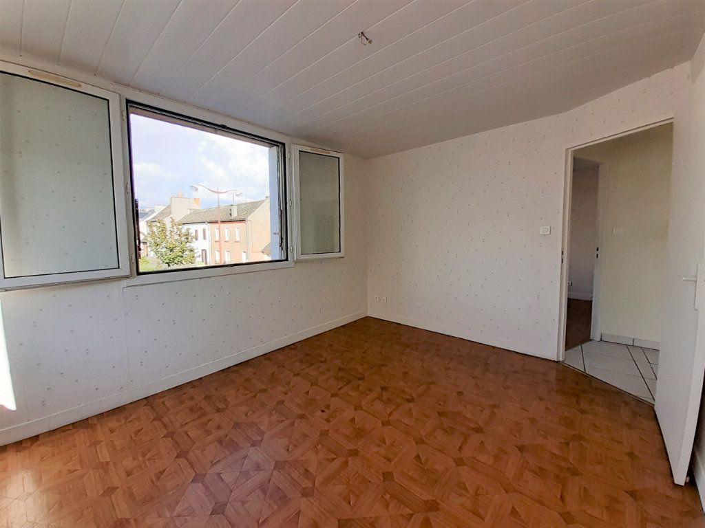 Appartement à louer 3 56m2 à Naucelle vignette-3