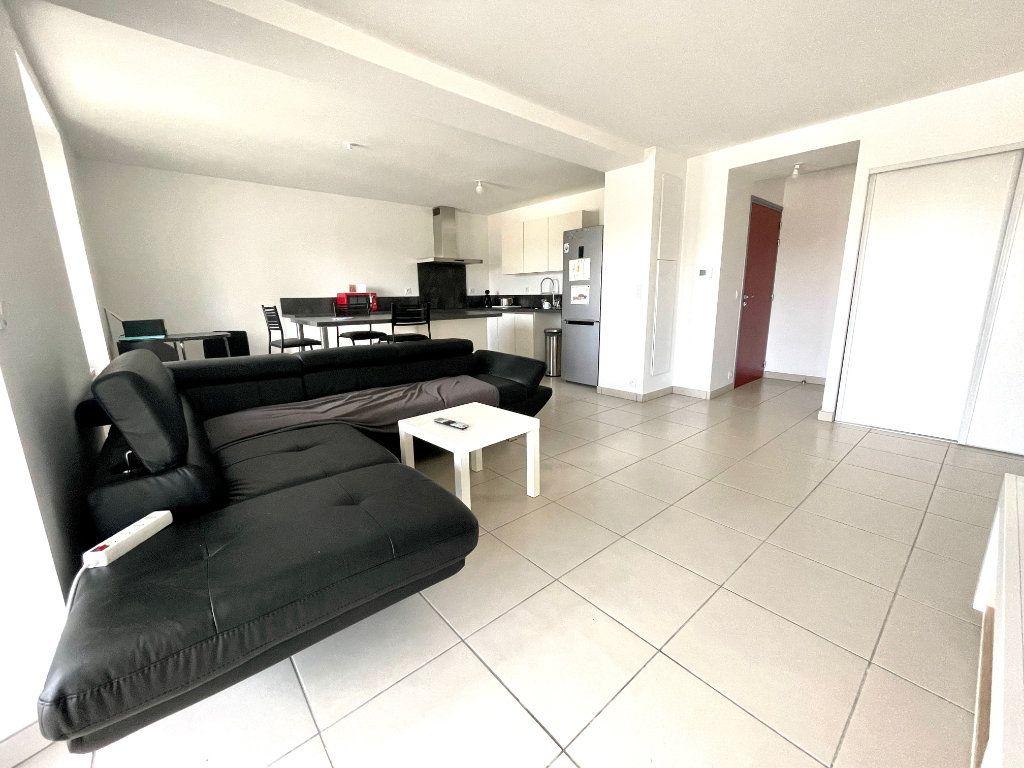 Appartement à vendre 3 65m2 à Luc-la-Primaube vignette-5
