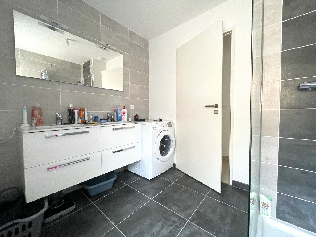 Appartement à vendre 3 65m2 à Luc-la-Primaube vignette-8