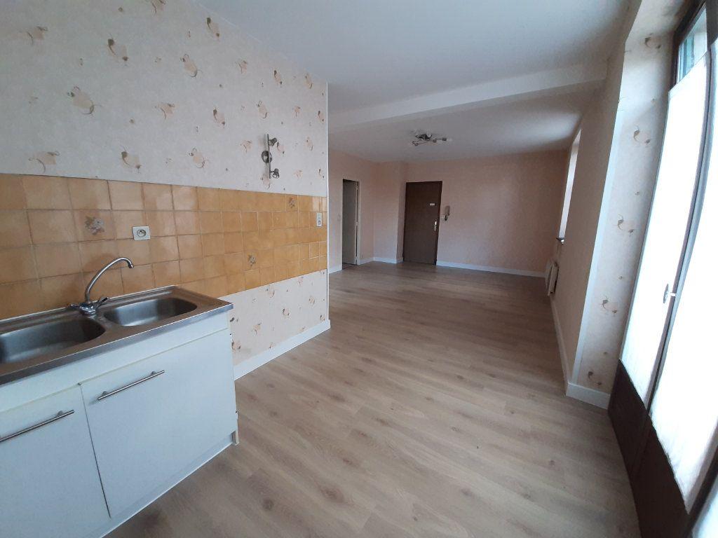 Appartement à louer 2 40.46m2 à Rodez vignette-3