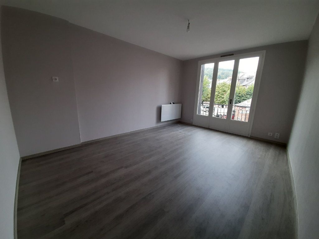 Maison à louer 2 45m2 à Marcillac-Vallon vignette-1