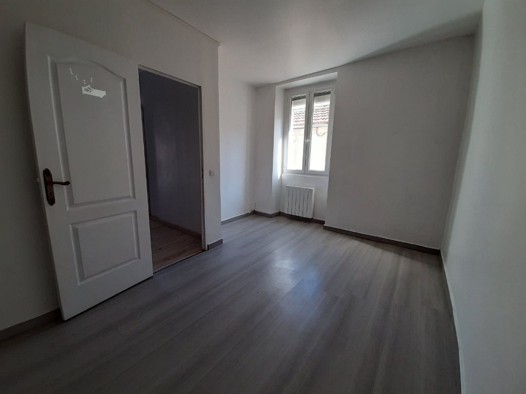 Maison à louer 3 77m2 à Aubin vignette-4
