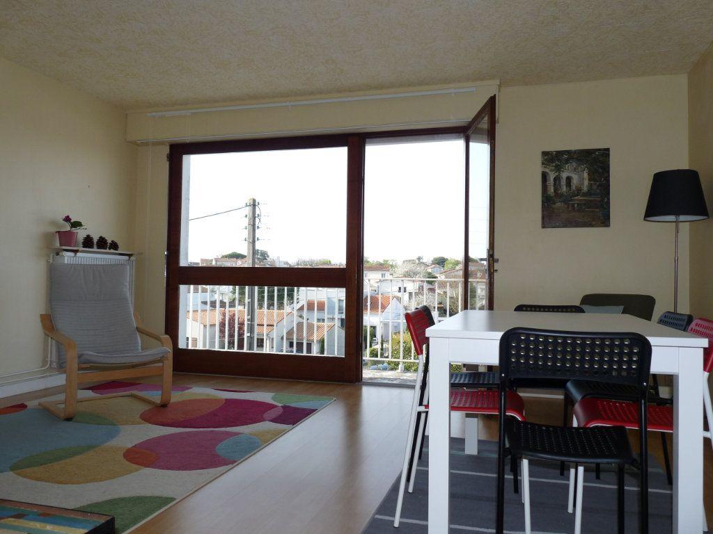Appartement à vendre 2 49.12m2 à Royan vignette-11