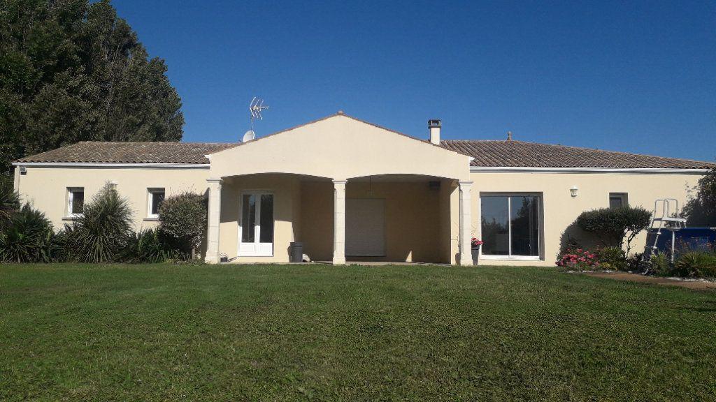 Maison à vendre 6 180m2 à Corme-Écluse vignette-3
