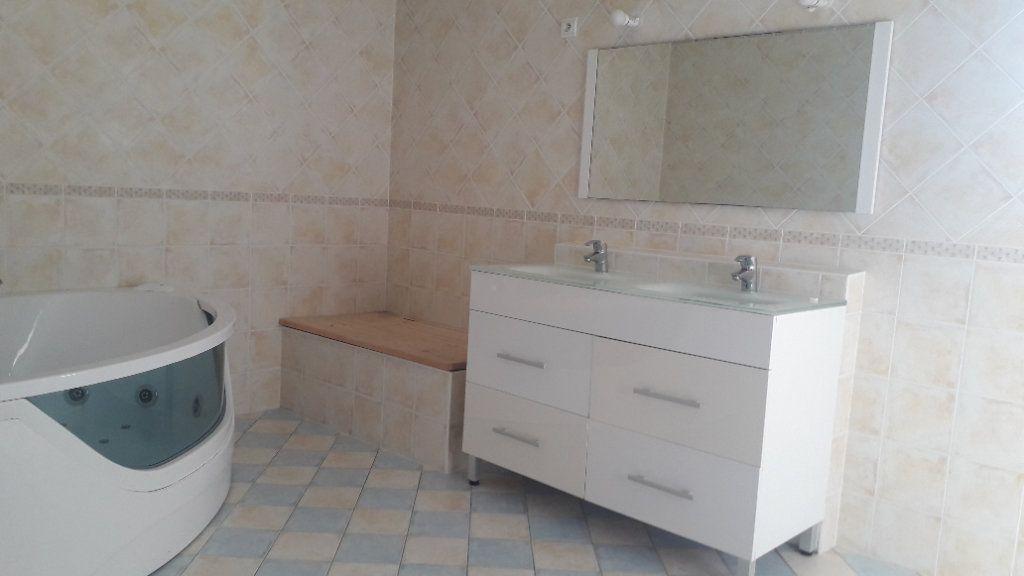 Maison à vendre 6 180m2 à Corme-Écluse vignette-8