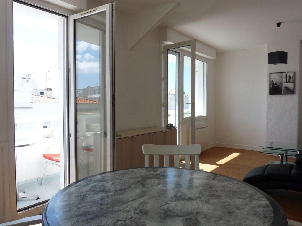 Appartement à vendre 2 52.68m2 à Royan vignette-2