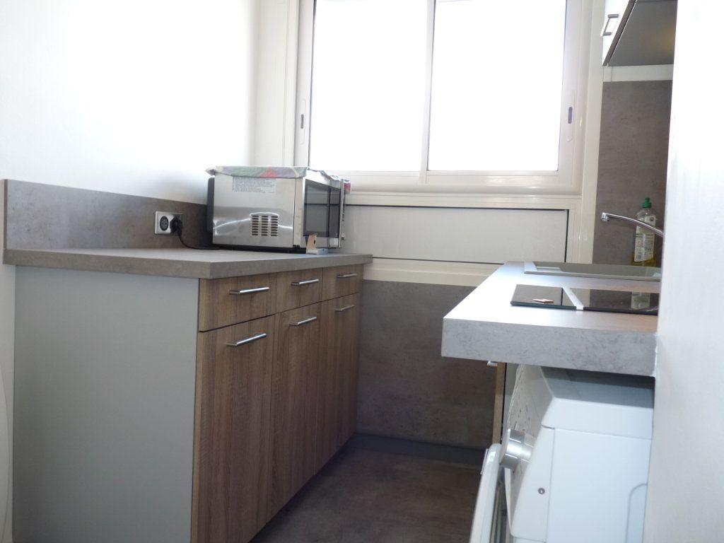 Appartement à vendre 2 52.68m2 à Royan vignette-6
