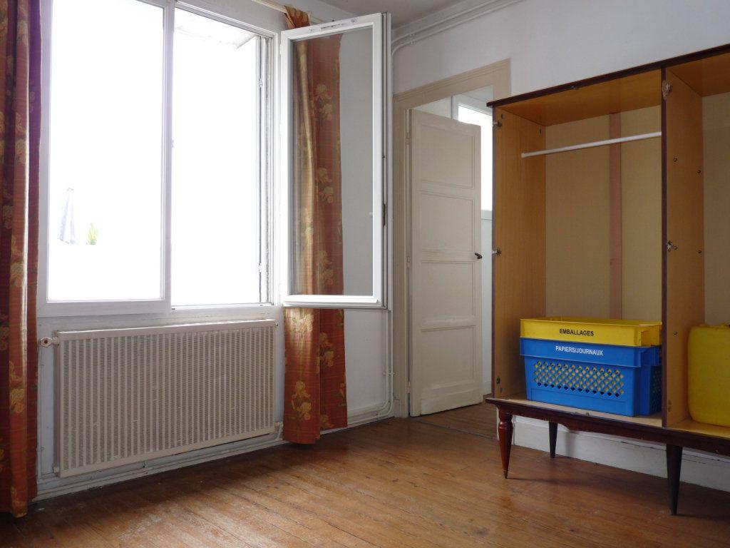 Appartement à vendre 3 68m2 à Royan vignette-2