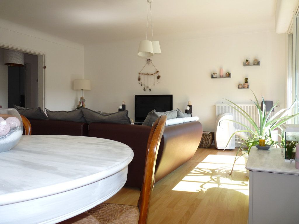 Appartement à vendre 4 94.82m2 à Royan vignette-2