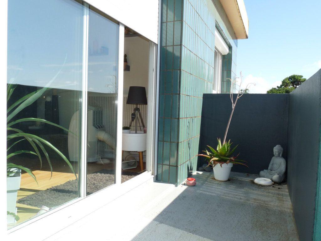 Appartement à vendre 4 94.82m2 à Royan vignette-3