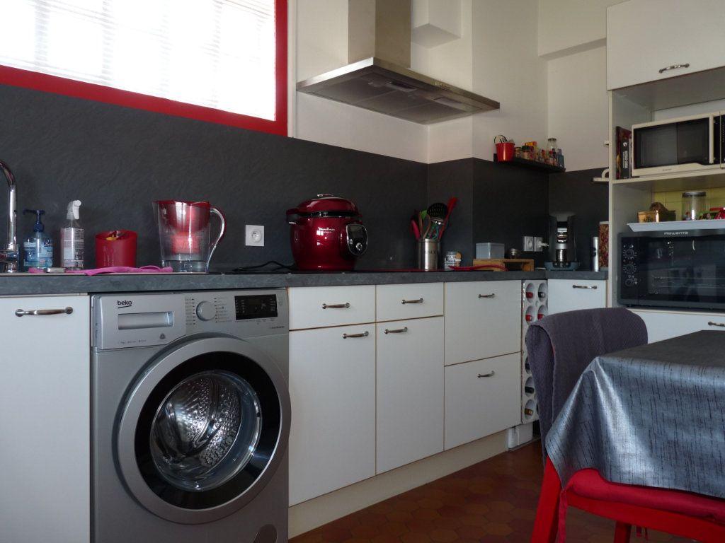 Appartement à vendre 4 94.82m2 à Royan vignette-5