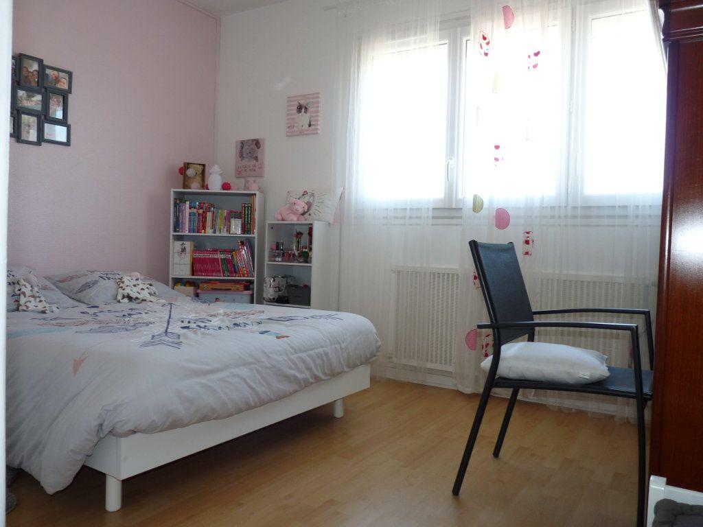 Appartement à vendre 4 94.82m2 à Royan vignette-6