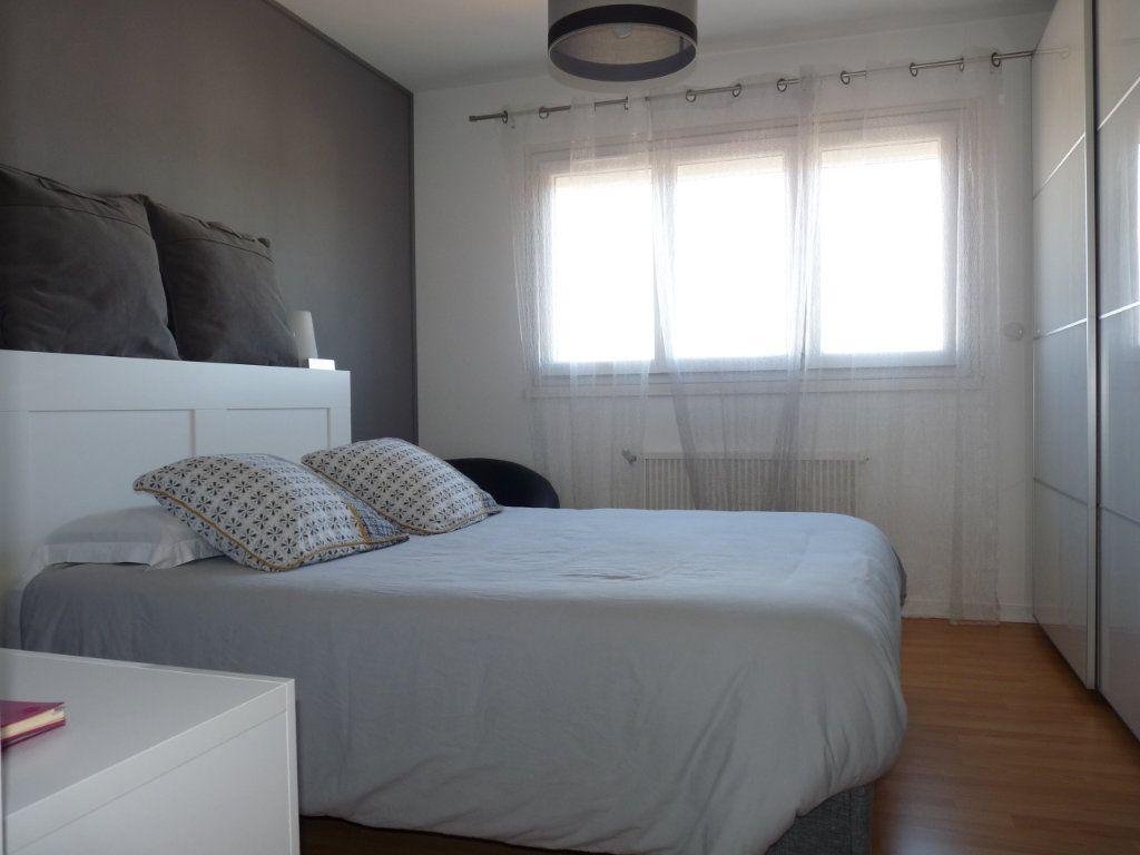 Appartement à vendre 4 94.82m2 à Royan vignette-7