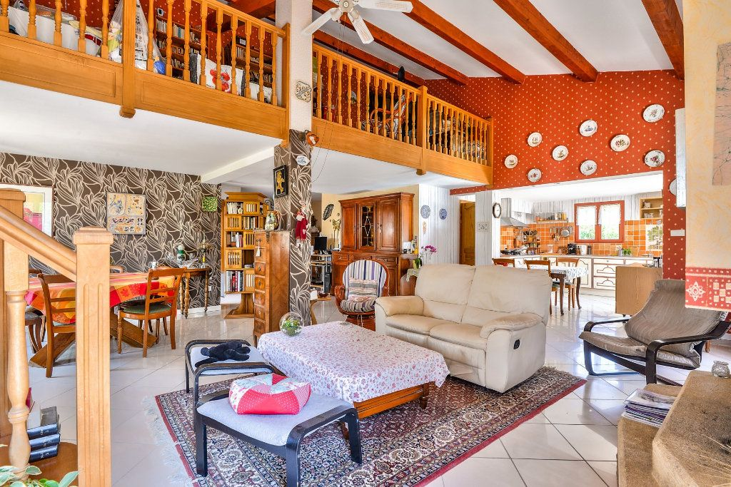 Maison à vendre 6 202m2 à Vinon-sur-Verdon vignette-2