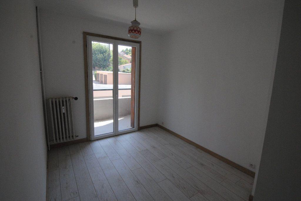 Appartement à vendre 4 75.87m2 à Manosque vignette-3