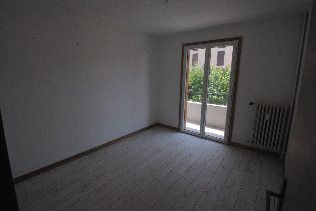 Appartement à vendre 4 75.87m2 à Manosque vignette-4