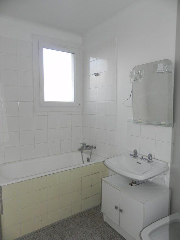 Appartement à vendre 4 76.12m2 à Manosque vignette-6