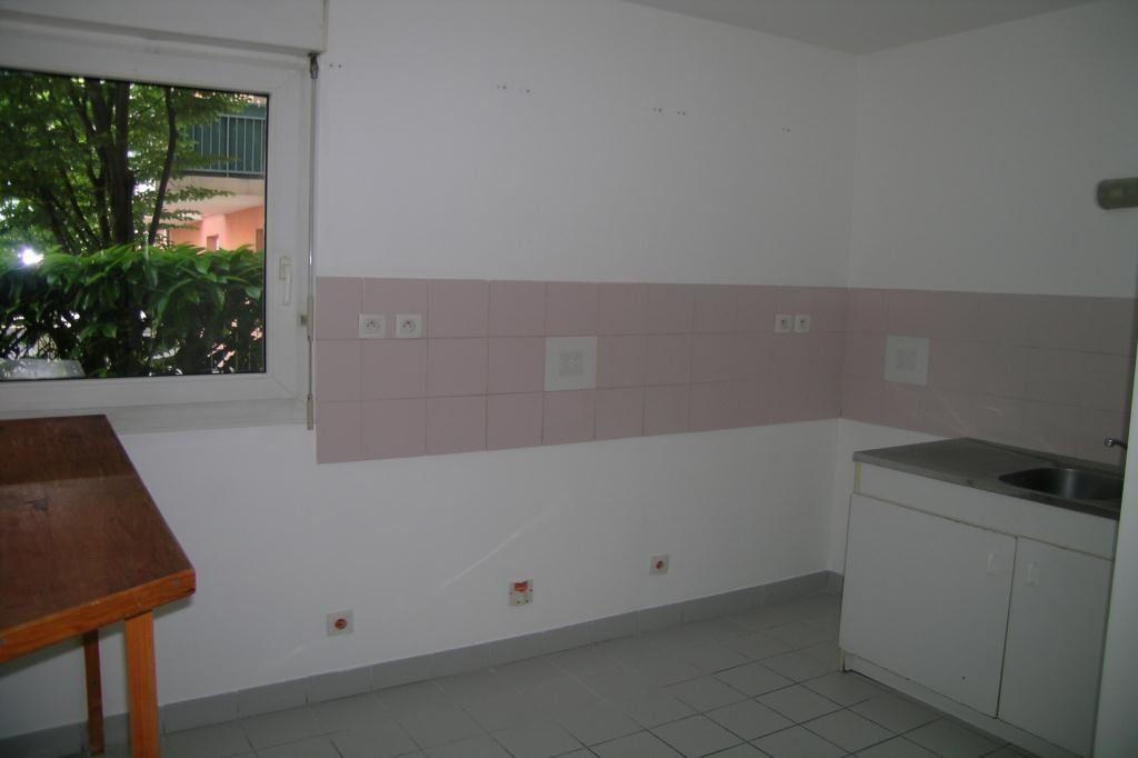 Appartement à louer 2 47.64m2 à Toulouse vignette-4
