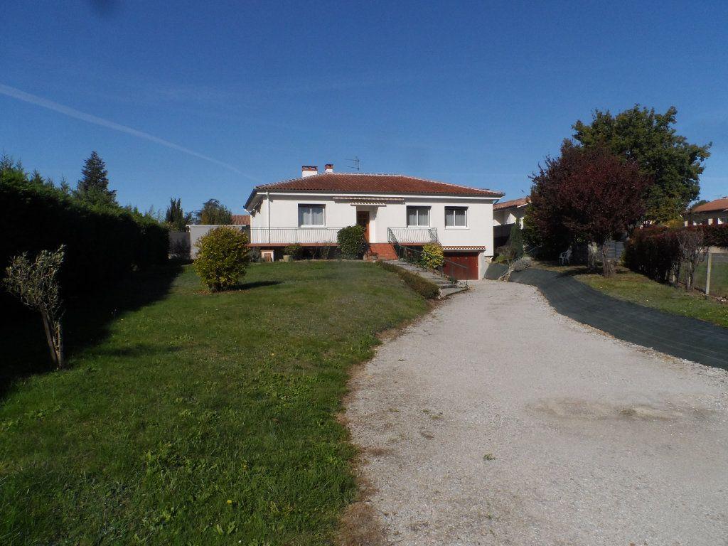 Maison à louer 4 121.35m2 à Saint-Loup-Cammas vignette-1