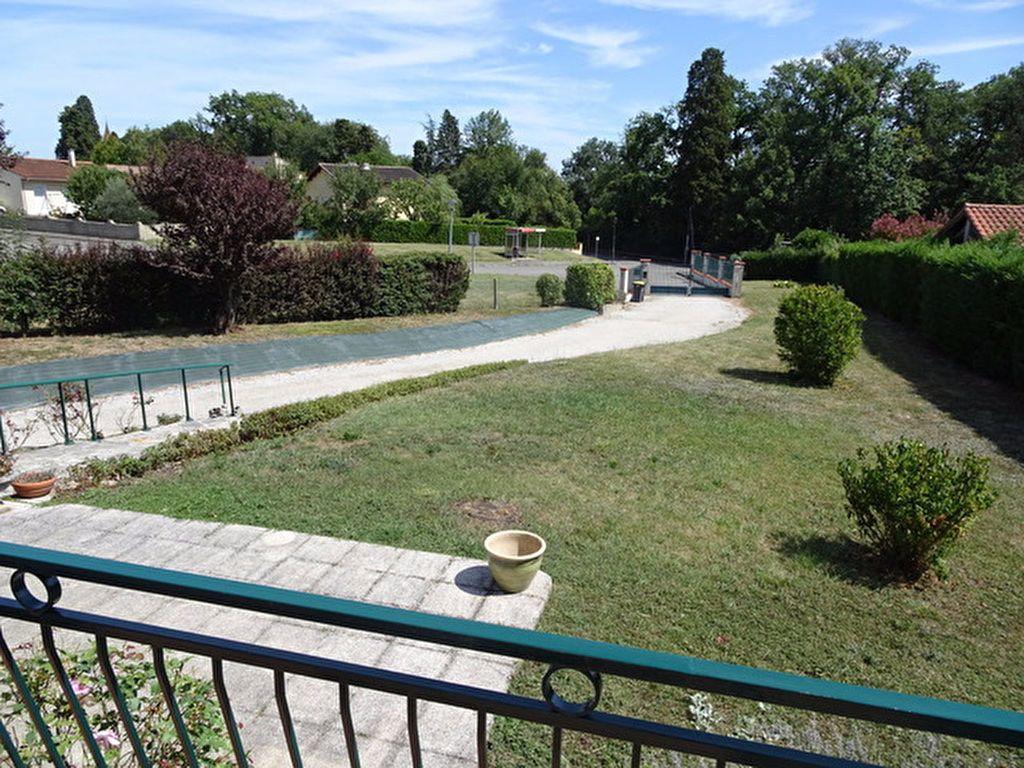 Maison à louer 4 121.35m2 à Saint-Loup-Cammas vignette-2