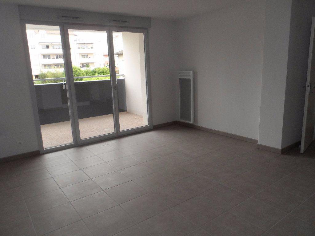 Appartement à louer 3 60.48m2 à Toulouse vignette-1