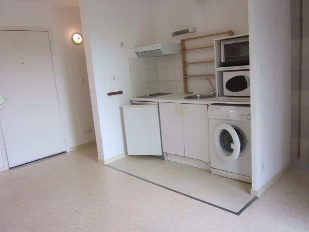 Appartement à louer 2 31.15m2 à Toulouse vignette-2