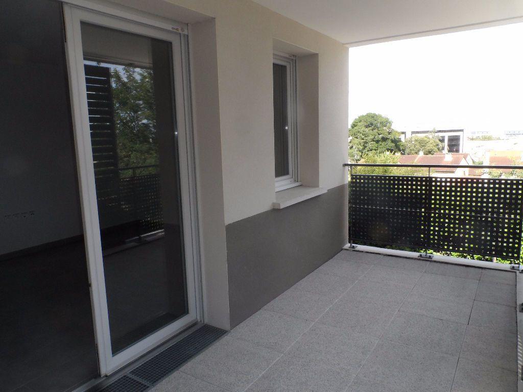 Appartement à louer 3 68.45m2 à Colomiers vignette-2