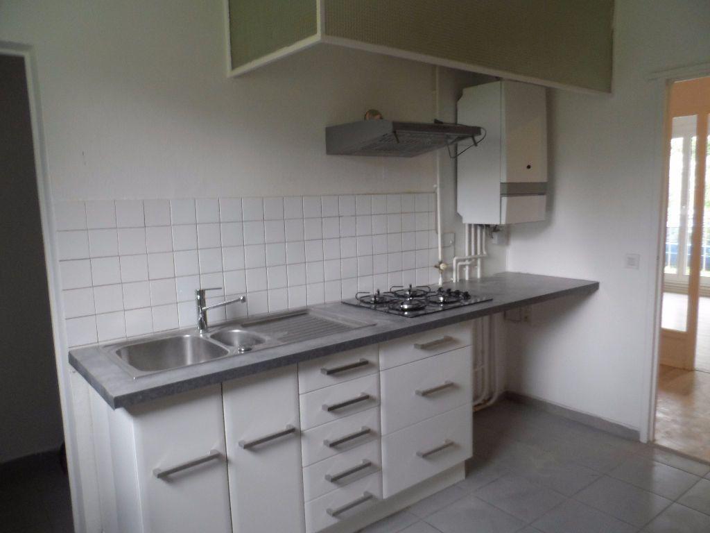 Appartement à louer 3 66.95m2 à Toulouse vignette-3